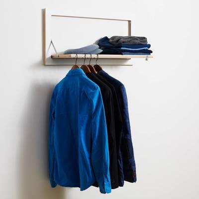 HÄNGRAIL bietet Platz für viele Kleidungsstücke