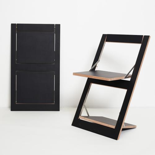 FLÄPPS Klappstuhl schwarz lackiert, mit Holzkante