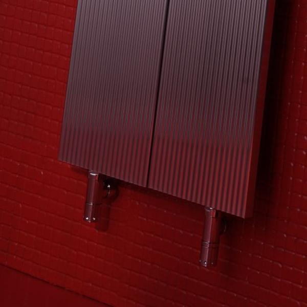 Antrax Design-Heizkörper LOFT V2 vertikal mit Beispiel für Ventil