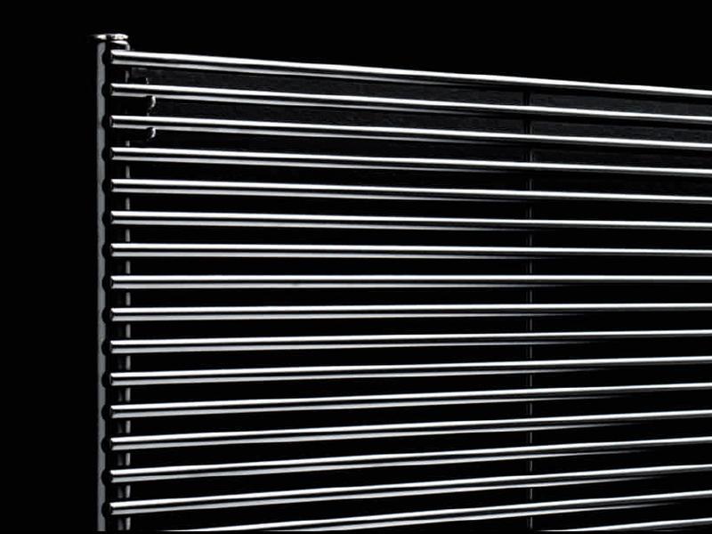 Antrax Design-Heizkörper AO13S chrom hochglänzend, horizontal, einfach gelegte Rohre