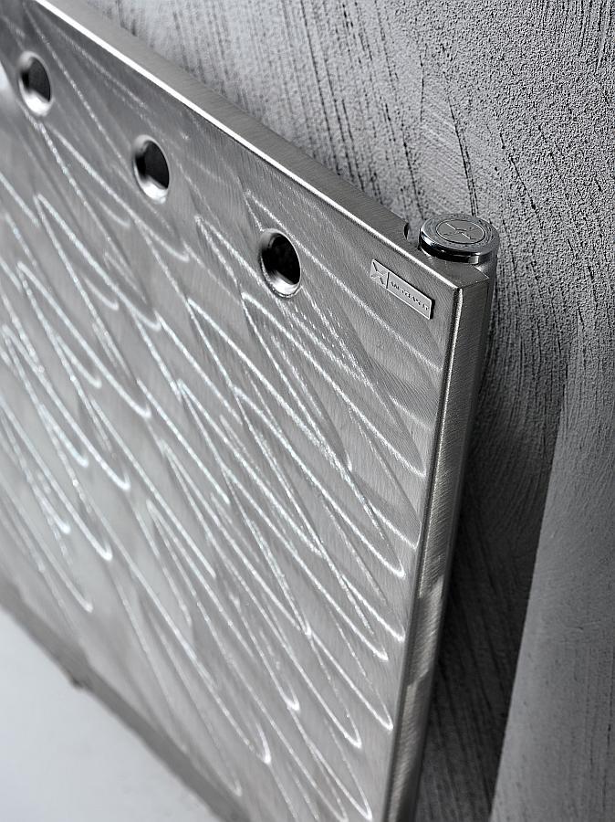 Antrax Design-Heizkörper FLAT O, Edelstahl von Hand gebürstet