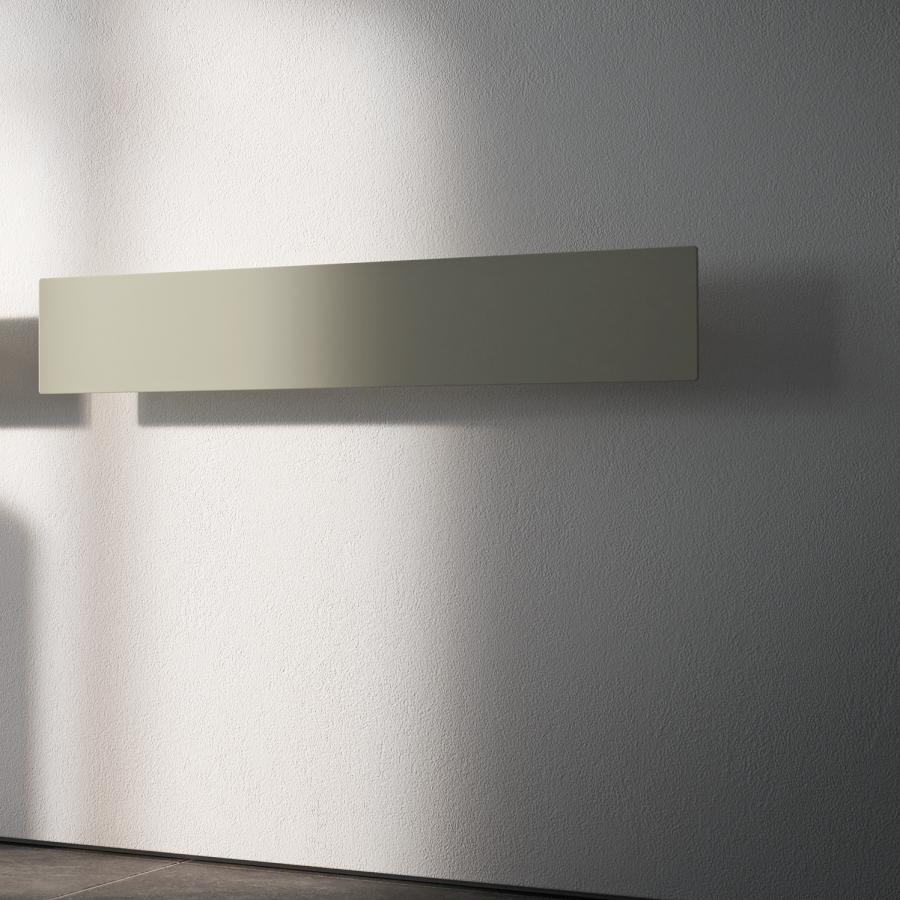 Tavola LISCIA, horizontale Aufhängung für Warmwasser, farbig lackiert
