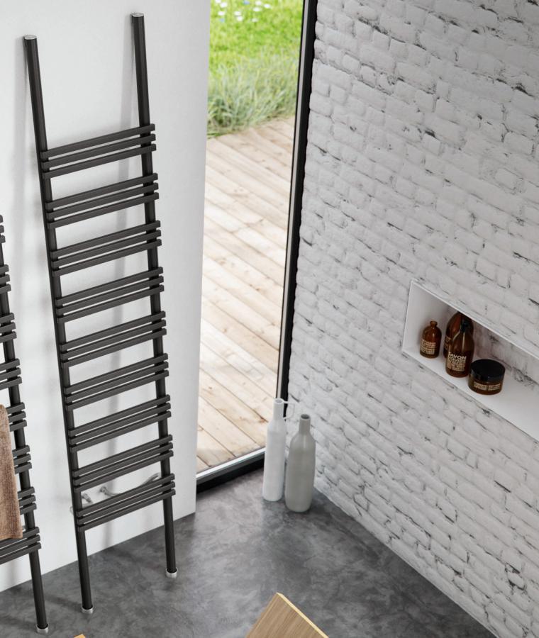 PIOLI Leiter Design-Heizkörper Warmwasser, Größe und Ausstattung nach Wahl