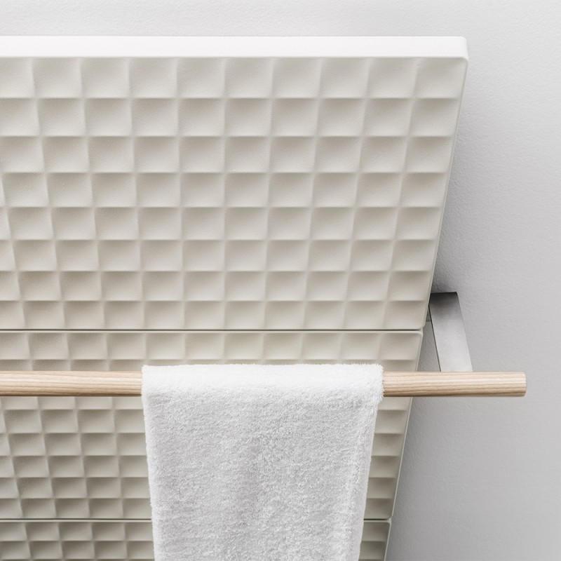 Handtuchstange für WAFFLE Heizkörper, Massivholz mit Stahlträger matt