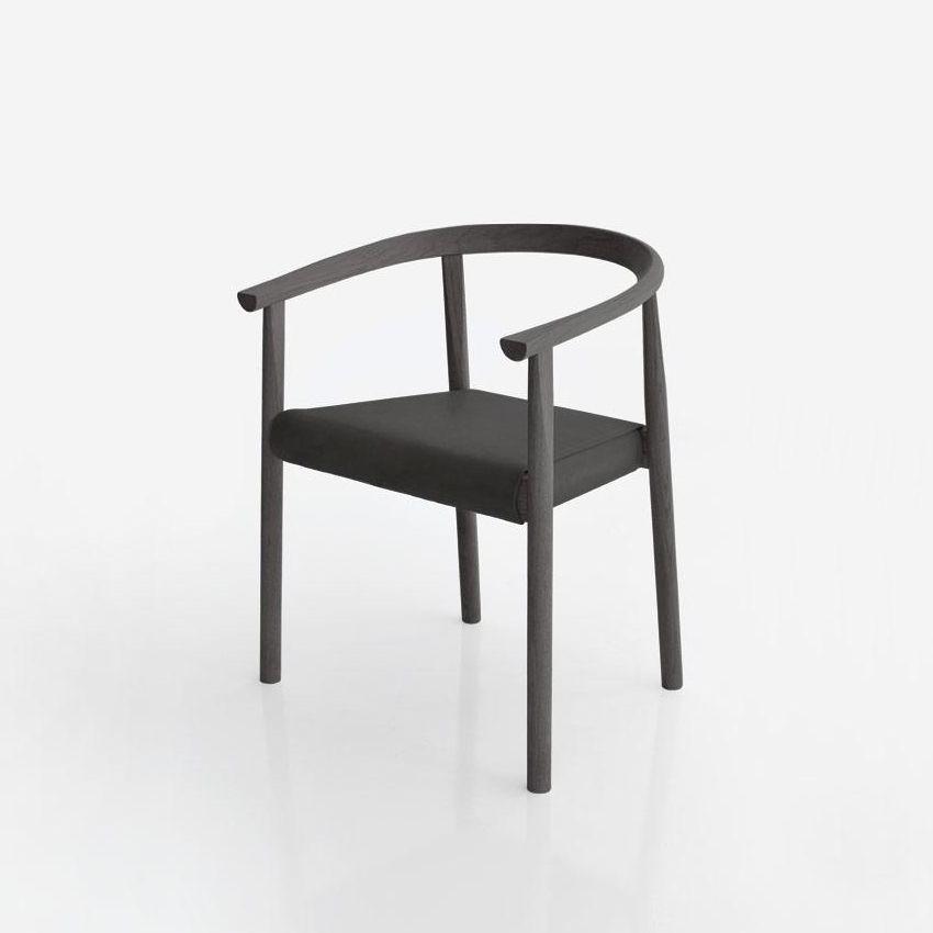 TOKYO Stuhl mit schwarz gebeiztem Escheholz und Ledersitz in schwarz