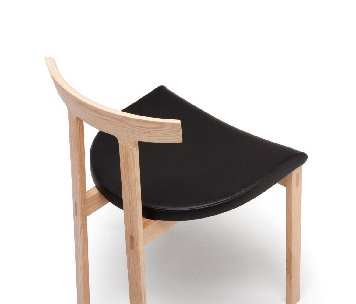 TORII Stuhl Weiß-Eiche / Sitz Leder PANAMA schwarz