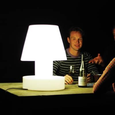 Bloom! Portable Lamp - auf dem Tisch