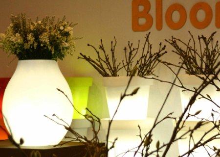 Bloom! Pill Blumentopf beleuchtet