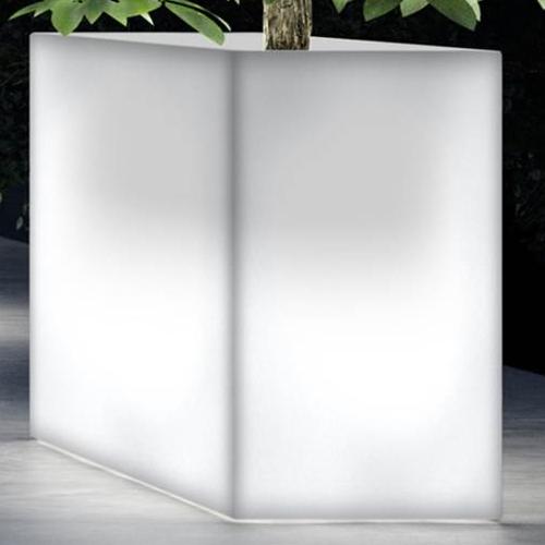KUBE HIGH Pflanzkübel mit ESL-Beleuchtung