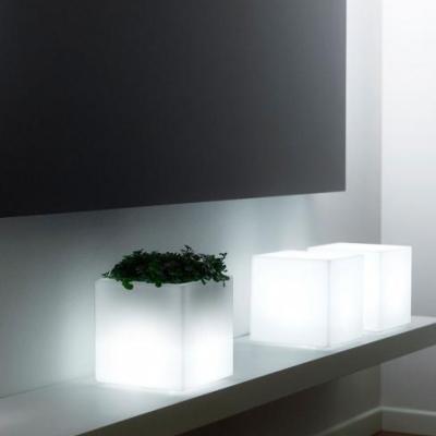 MINI KUBE Pflanzgefäß Indoor beleuchtet