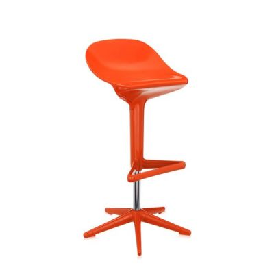 Spoon barhocker von kartell bei for Barhocker orange