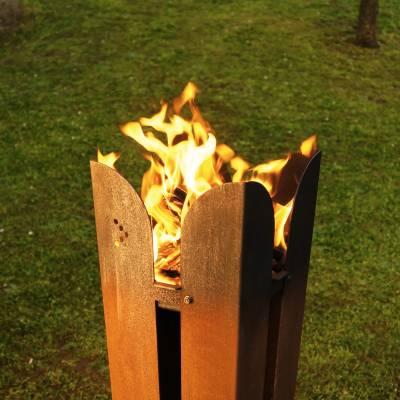 FUJI-FLAME Feuerstelle mit Brennholz