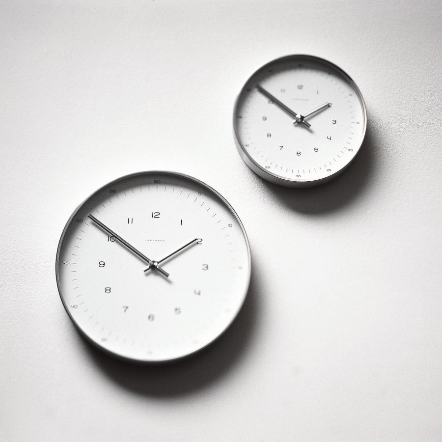 MAX BILL Funkuhr mit Zahlen, 22 und 30 cm