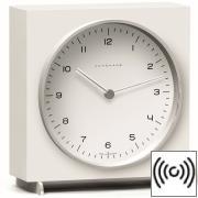 Tischuhr Max Bill Funkuhr, weißes Holzgehäuse mit Zahlenblatt, weiß