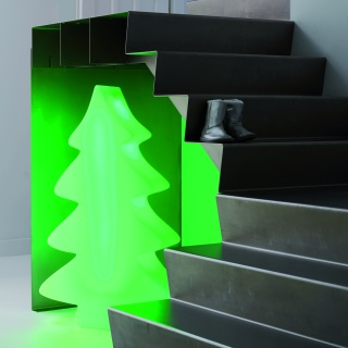 led beleuchteter weihnachtsbaum von lumenio bei. Black Bedroom Furniture Sets. Home Design Ideas