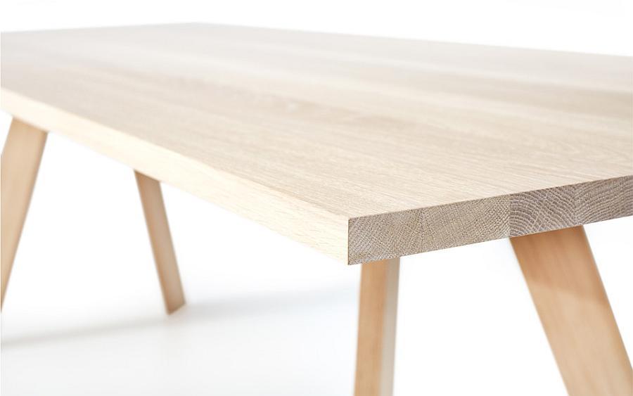 TOSH Bank mit robuster Platte aus Massivholz