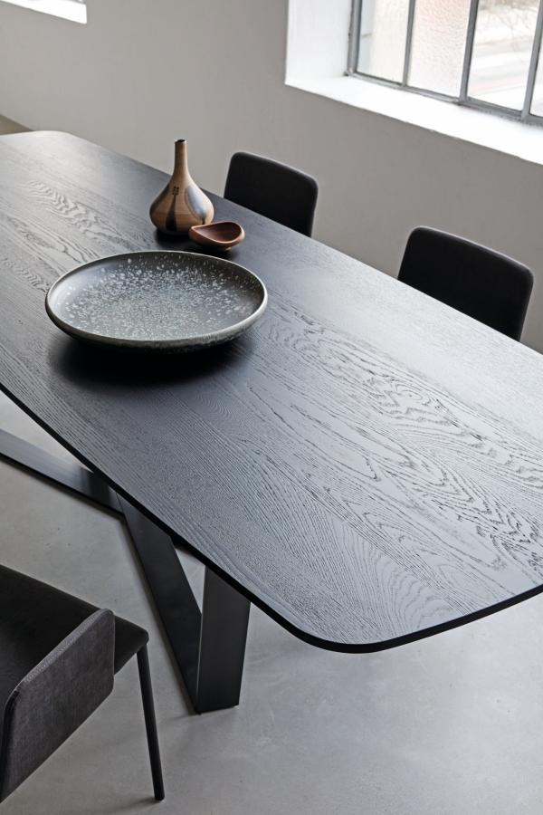 PERO Tisch Platte Barrelshape im Detail