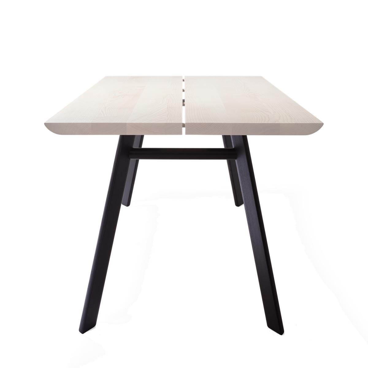 P68 Tisch / Esstisch, Seitenansicht