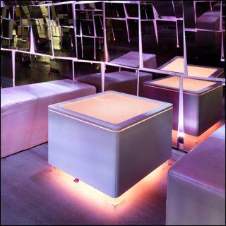 Beleuchteter Tisch ORA LED Akku und LED PRO Akku MDF weiß