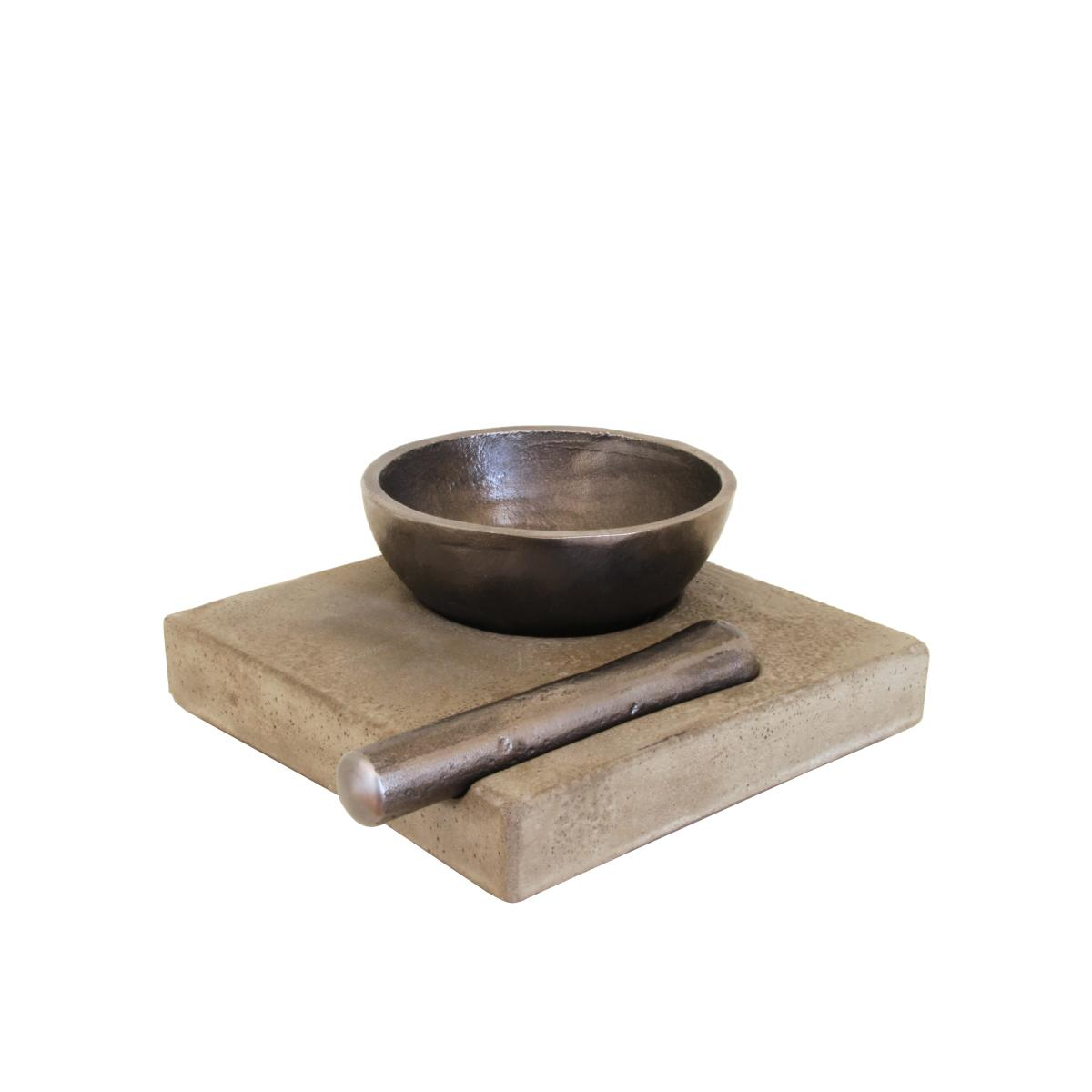 Der Mörser Zen aus Gusseisen und Beton
