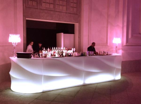 BARAONDA Bar mit LED kaltweiß auf einem Empfang