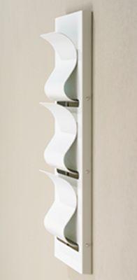 cult 3 zeitungshalter von pieperconcept bei. Black Bedroom Furniture Sets. Home Design Ideas