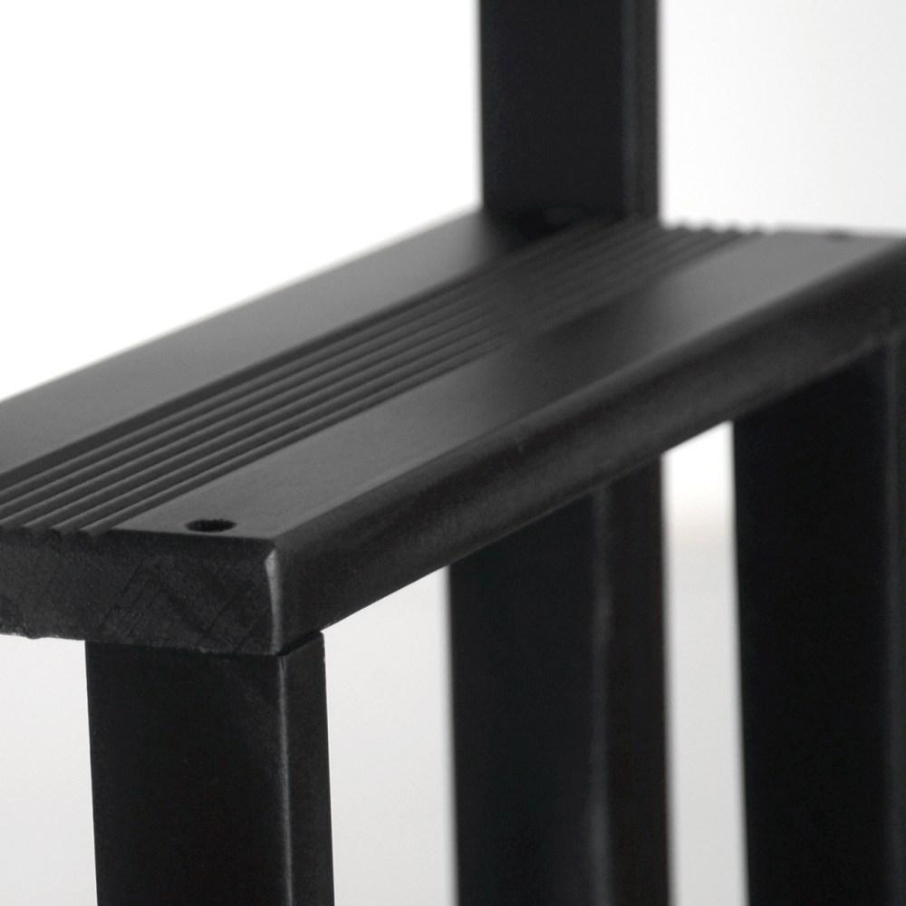 hockerleiter aus holz von radius design bei. Black Bedroom Furniture Sets. Home Design Ideas