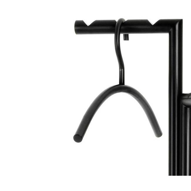 ZINOX Garderobenständer schwarz im Detail mit Kleiderbügel 0103