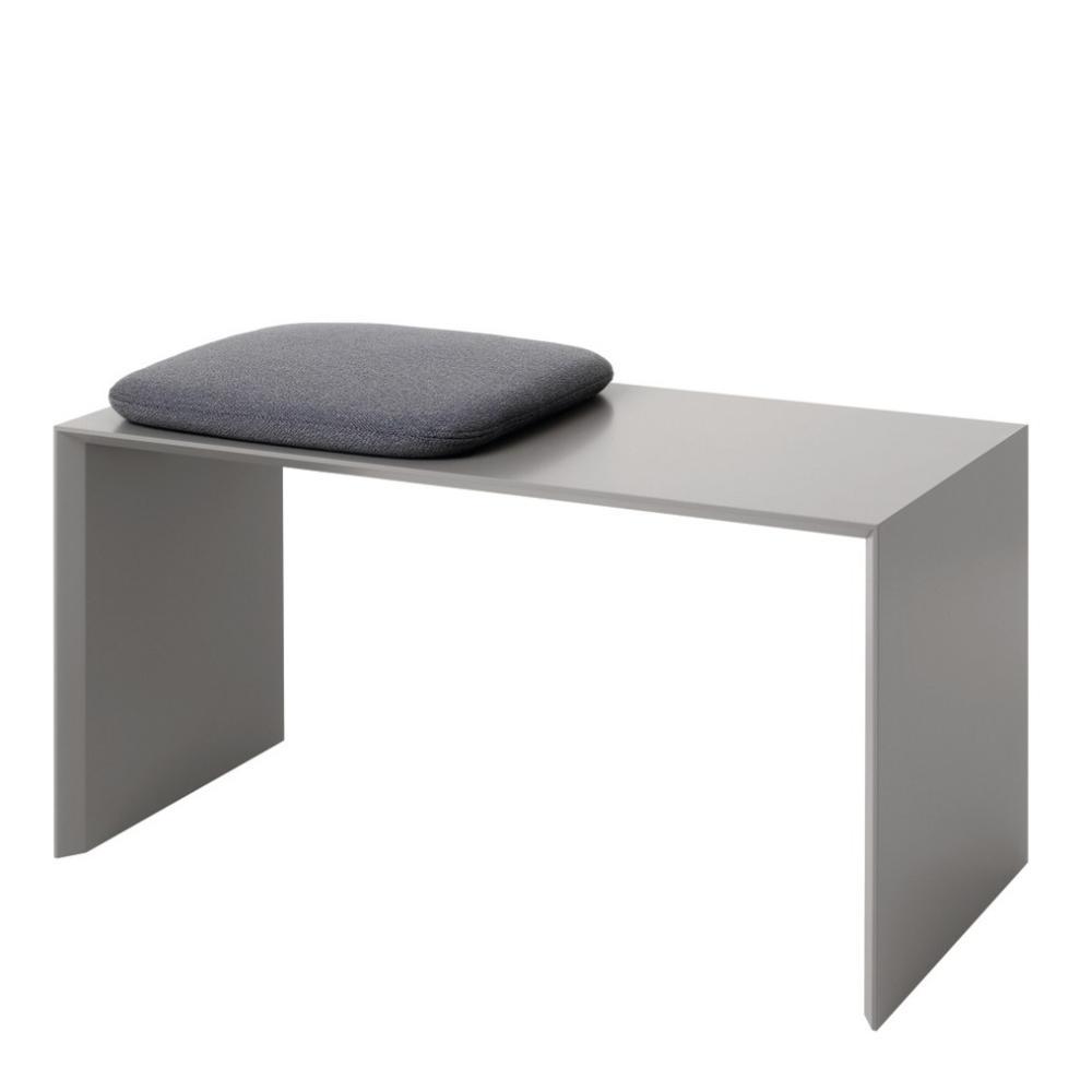 ADD ON Sitzbank in grau mit dem passenden Kissen 0685 mit Kvadrat Stoff bezogen