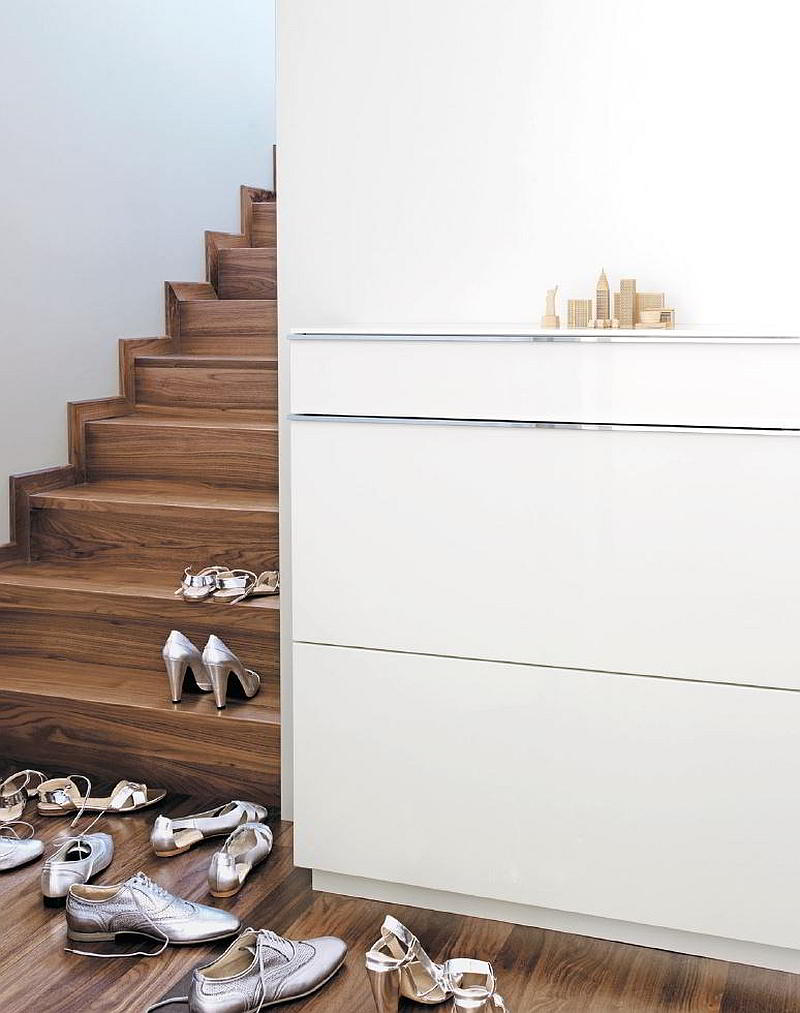 BASIC Schuhschrank 2 Klappen, Schublade und Glasablage, weiß