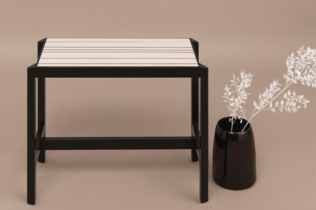 JUSTE Konsole klein, Gestell schwarz, Platte Keramikfliese