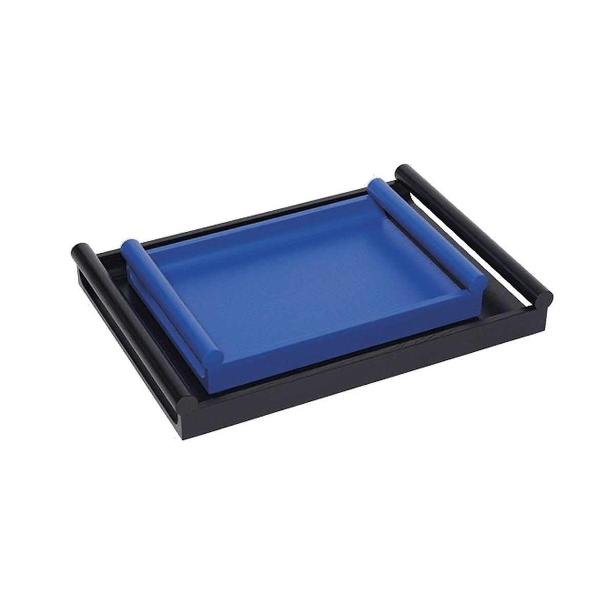 OLEH Tablett klein und groß inneinander gestellt