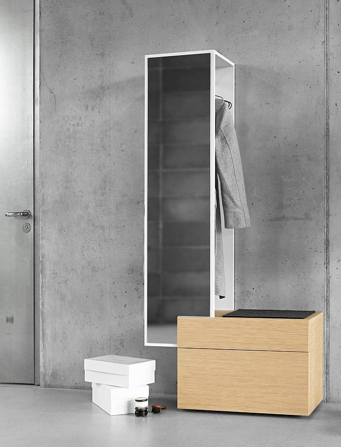 Iltios Wandgarderobe mit Sitzbank und Spiegel