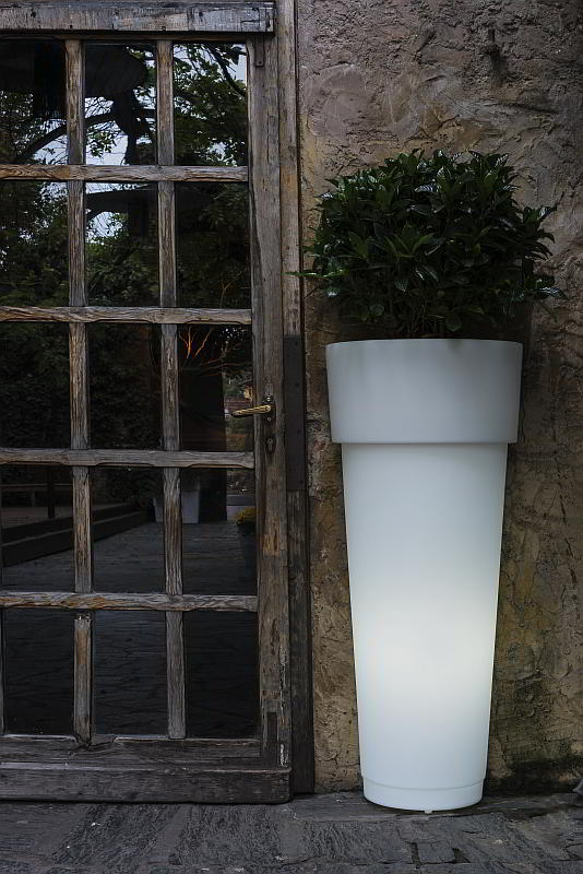 MarcAntonio beleuchtetes Pflanzgefäß 90 weiß