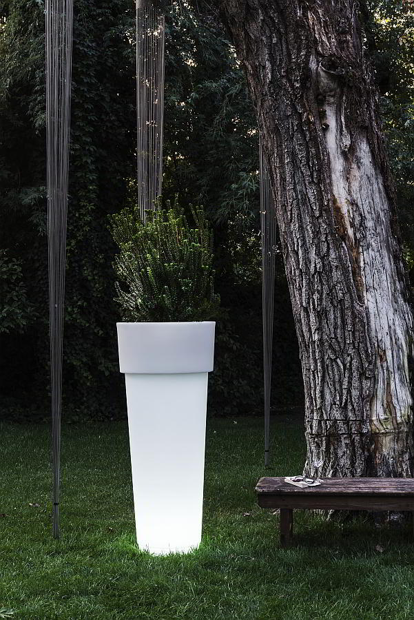 MarcAntonio beleuchtetes Pflanzgefäß 120 weiß