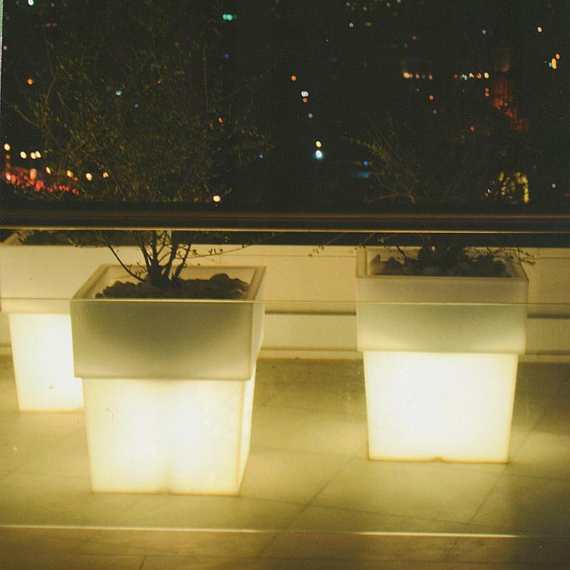 TORRE Pflanzgefäß beleuchtet, die Größe 50 cm