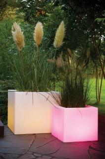 CUBOTTI 62 Blumentopf mit LED-Beleuchtung und Funk-Fernbedienung