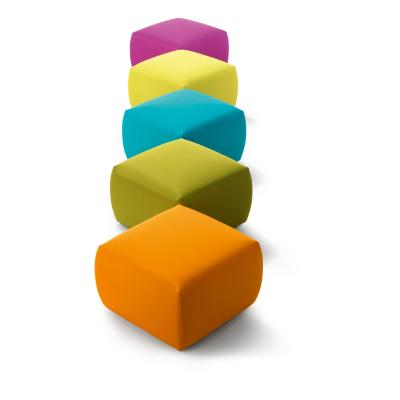 Pepo Sitzhocker in vielen Farben erhältlich