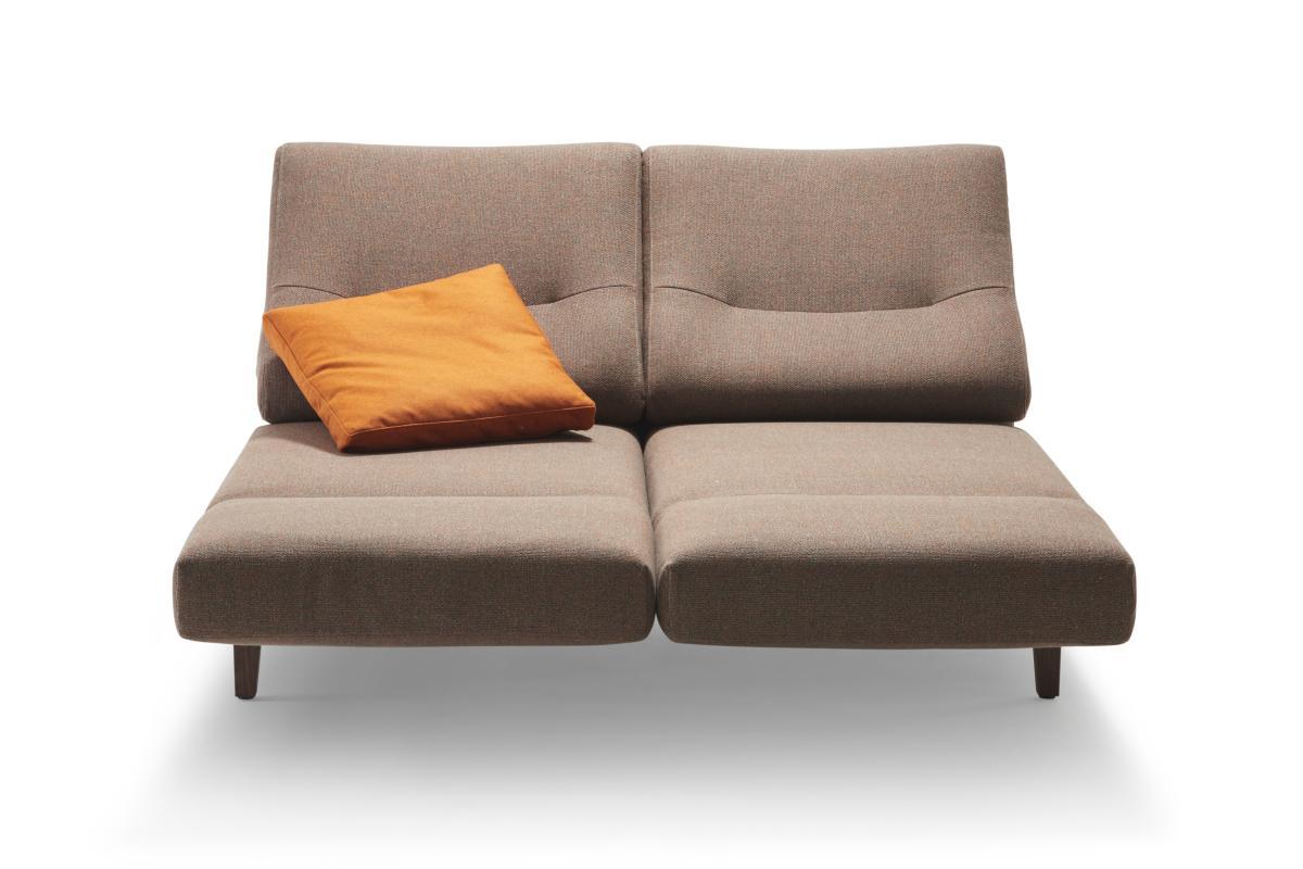 CHIMBA Sofa 2-sitzig, beide Sitze nach vorne gedreht, Gestell Nussbaum