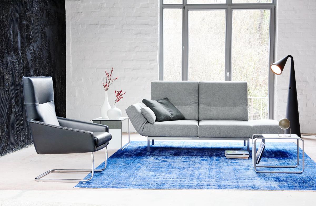 CHIMBA Sofa 2-sitzig, drehbar und mit verstellbaren Armlehnen und Rückenlehnen, Gestell Edelstahl, links mit Seitenkissen und mit Seitenbodenkissen
