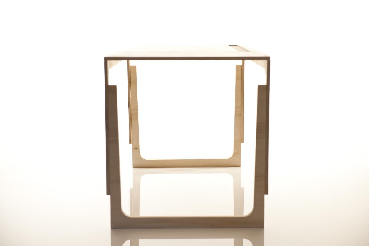 Sibis Vaclav Tisch höhenverstellbar, von der Seite