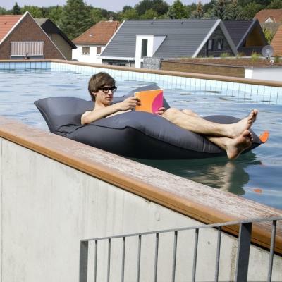 pool bull sitzsack von sitting bull sitzs cke bei. Black Bedroom Furniture Sets. Home Design Ideas