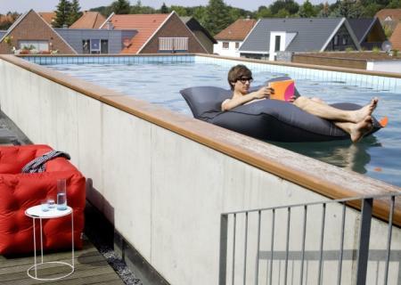 POOL BULL Sitzsack im Pool
