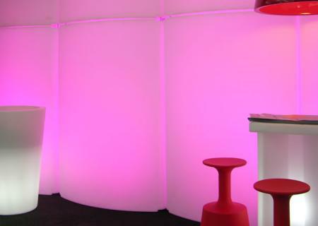 GIO WIND Raumteiler mit farbigen Energiesparlampen