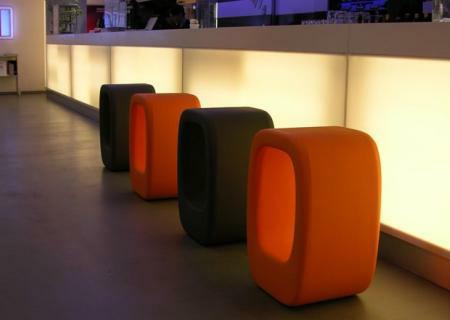 LAZY BONES Hocker / Beistelltisch, orange und dunkelgrau