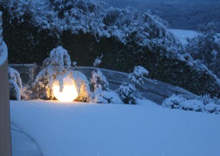 GLOBO Leuchtkugel Outdoor herrlich schön im Schnee