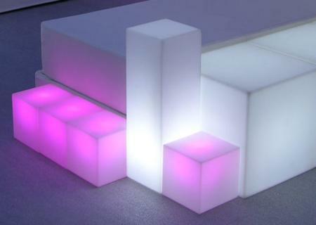 IO Leuchtsäule mit CUBO Leuchtwürfeln