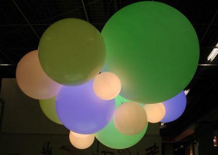 GLOBO HANGING Pendelleuchte mit LED-Beleuchtung