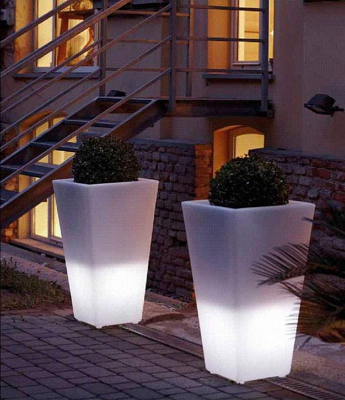 Y pot light blumentopf beleuchtet 43x43 cm 90 cm hoch for Design blumentopf