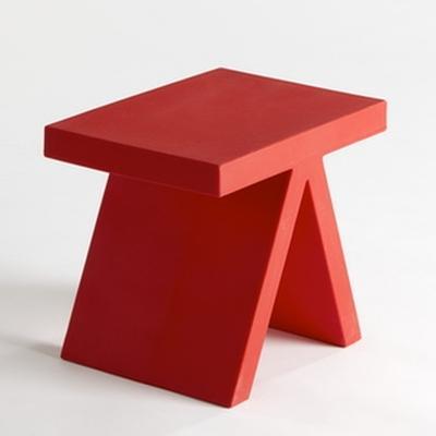 Toy tisch hocker von slide design bei for Design tisch rot